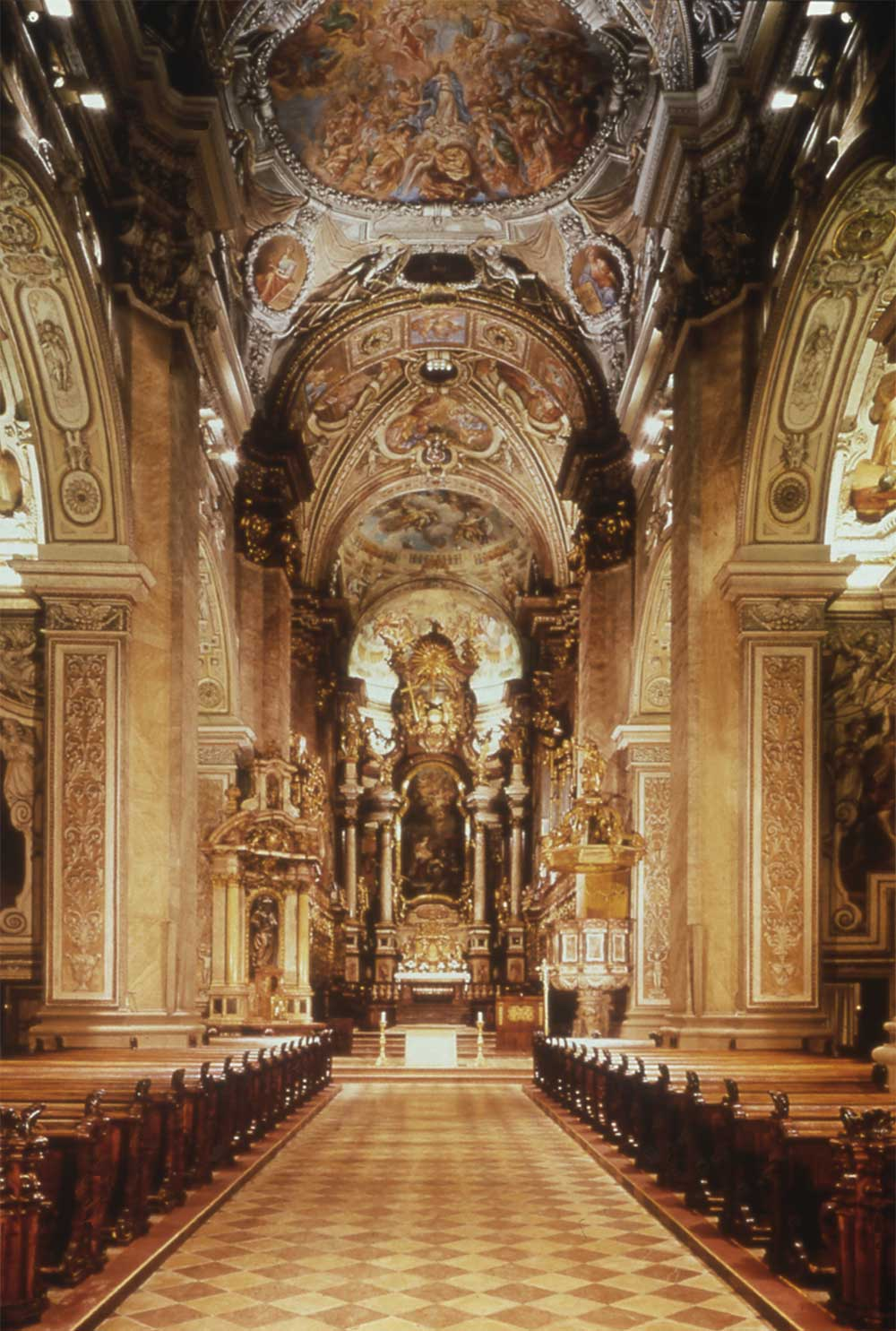 Progetto illuminazione di Massimo Iarussi per la Basilica di Klosterneuburg, Austria