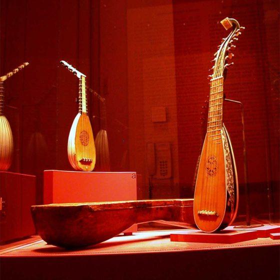 """Progetto di illuminazione di massimo Iarussi per la mostra """"Meraviglie Sonore"""""""