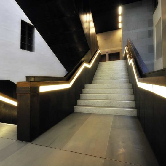Progetto illuminazione di Massumo Iarussi per la Scala di Ponente dei nuovi Uffizi